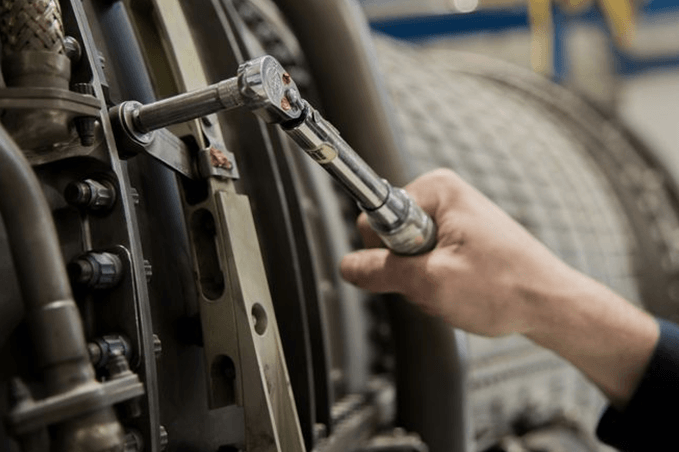 how to work with a torque wrench